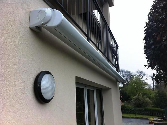 Casa immobiliare accessori tende da sole cassonate for Tende da sole elettriche prezzi